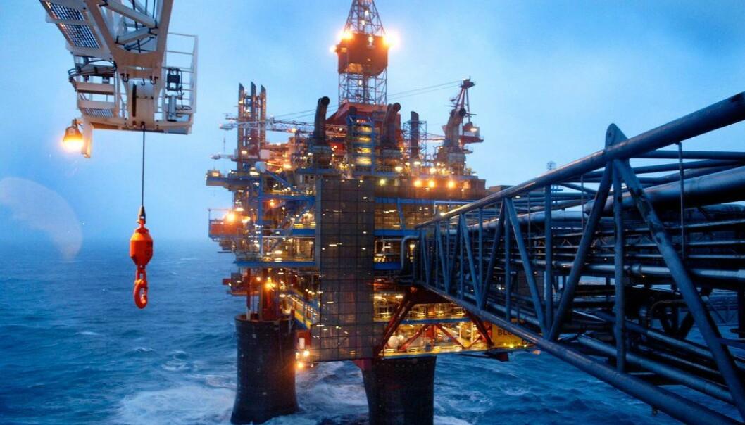 Her på Draupner-plattformene 160 km fra norskekysten har Statoil målt verdens høyeste enkeltbølge. «Draupner-bølgen» var en monsterbølge på 25,6 meter. Draupner-plattformene spiller en nøkkelrolle i transporten av gass fra Nordsjøen til kontinentet.  (Foto: Harald Pettersen/Statoil)