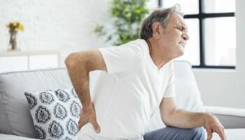 De med vondt i ryggen behandles helt feil, mener forskere