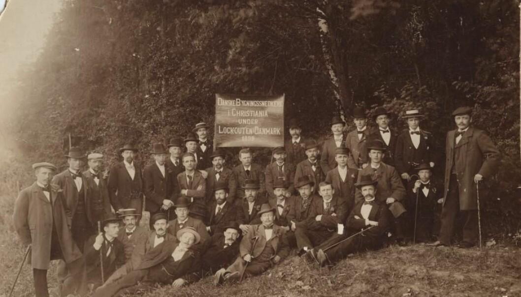 Danske bygningsarbeidere i konflikt i 1899.   (Foto: Jens Brede/Arbeidermuseets arkiv)