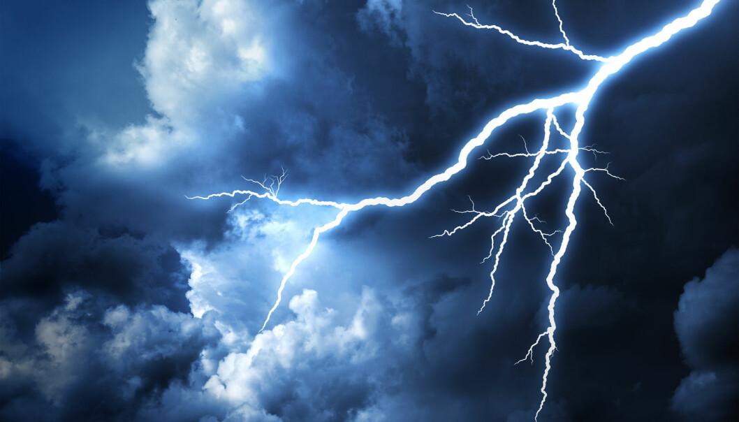 Verdens mest langvarige lyn ble målt i Provence i Frankrike. Det var synlig i 7,7 sekunder den 30. august 2012. Verdensrekordkomiteen i WMO har slått fast at dette virkelig var ett enkelt lyn. Ofte er det nemlig sånn at flere  lyn som kommer rett etter hverandre, kan oppfattes som ett og samme lyn.  (Foto: DR-images / Shutterstock / NTB scanpix)