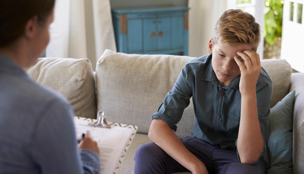 I det første av to trinn i en amerikansk terapibehandling er det forelder eller andre omsorgsgivere som selv gjør det direkte arbeidet og fungerer som behandler for barnet. (Illustrasjonsfoto: Shutterstock / NTB Scanpix)