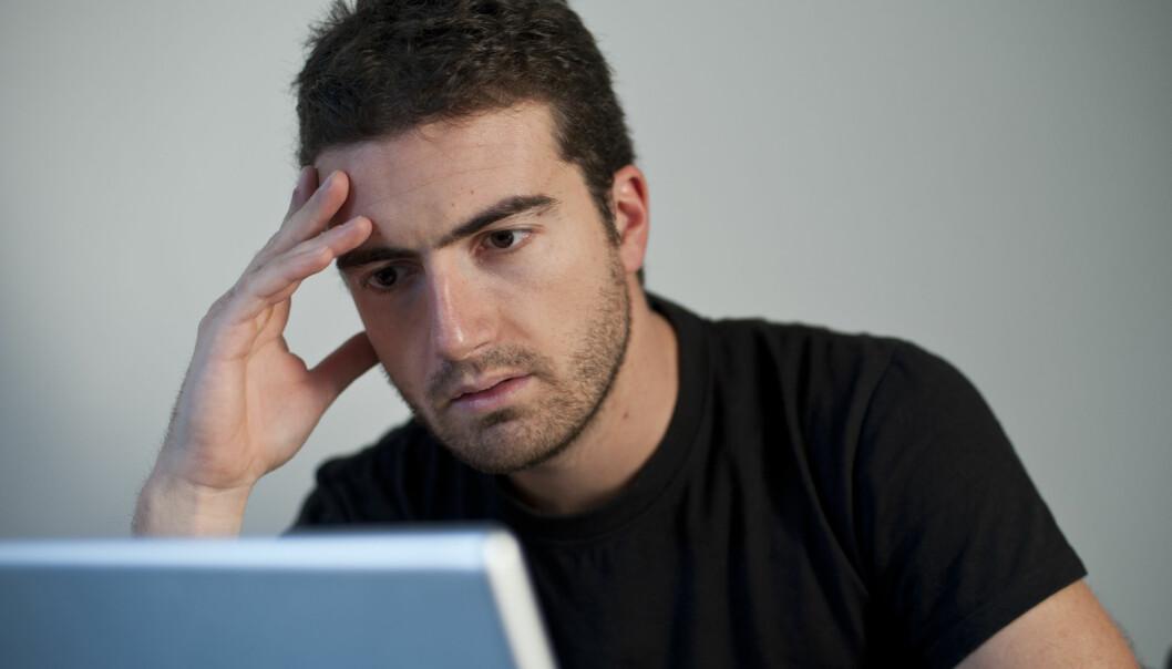 Folk med depresjon har gjerne et mer svart–hvitt syn på verden. Gjenspeiles dette i skrivestilen? (Illustrasjonsfoto: Colourbox)