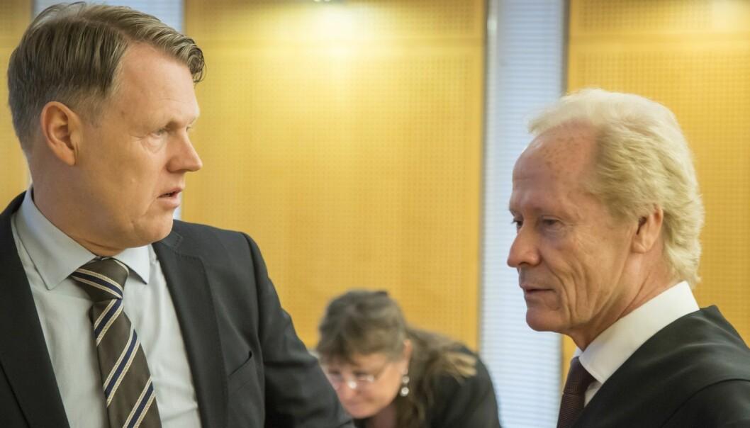Hjernekirurg Per Kristian Eide og hans advokat Per Danielsen i Oslo tingrett i forbindelse med rettssaken mot TV 2 i fjor. (Foto: Heiko Junge, NTB scanpix)