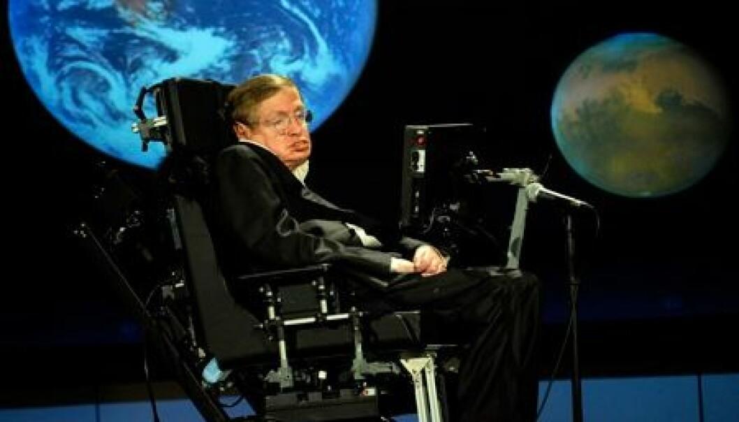 Den verdensberømte forskeren Stephen Hawking levde i 50 år med diagnosen ALS. - Eksepsjonelt lenge, sier norsk ekspert.  Wikimedia Commons