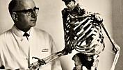 Forskeren som gravde opp hundrevis av spedalske skjeletter