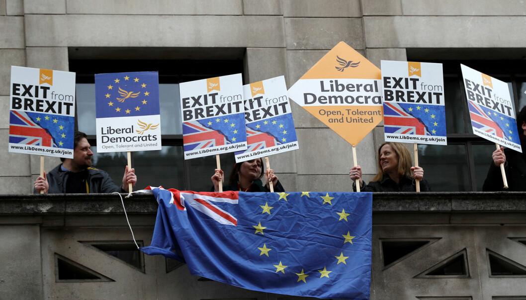 Meningsmålingene var ikke gode på å forutsi Brexit-avstemningen i 2016. Mange vil ikke at Storbritannia skal gjennomføre utmeldingen fra EU, blant annet disse pro-EU-demonstrantene i 2018.  (Illustrasjonsbilde: REUTERS/Peter Nicholls/NTB Scanpix)