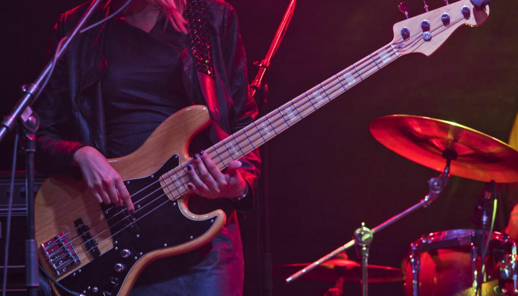 Kvinnelige studenter er i mindretall på instrumenter som trommer, bass, gitar og laptop. (Illustrasjonsbilde: NTB Scanpix / Shutterstock)