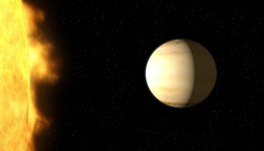 Planeten WASP-39b går rundt en stjerne som ligner på vår egen sol. Den er større enn kjempeplaneten Jupiter, men går tjue ganger nærmere stjerna si enn Jorda går rundt sola. Atomosfæren er varm – over 700 grader – og inneholder mye vanndamp. Astronomene har funnet ut dette ved å se hvordan enkelte farger – bølgelengder av lyset – blir borte når stjernelyset går gjennom atmosfæren til planeten. De har brukt romteleskopene Hubble og Spitzer for å lage det beste fargespekteret som noen sinne er målt fra en eksoplanet – en planet i et annet solsystem. (Illustrasjon: NASA, ESA, and G. Bacon (STScI))