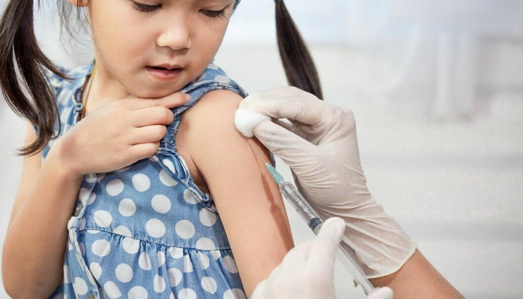 I dag får alle norske foreldre tilbud om tolv forskjellige vaksiner for sine barn. (Illustrasjonsfoto: A3pfamily, Shutterstock, NTB scanpix)