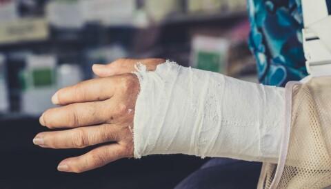 e20713a6 Håndleddsbrudd hos godt voksne og eldre er ofte et resultat av  beinskjørhet. En studie ved