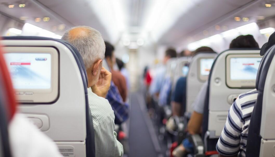 Er det en lege om bord? Flere reisende, inkludert eldre passasjerer og passasjerer med dårlig helse, gjør at det spørsmålet stilles oftere på verdens fly, ifølge canadiske leger. (Foto: Matej Kastelic, Shutterstock, NTB scanpix)