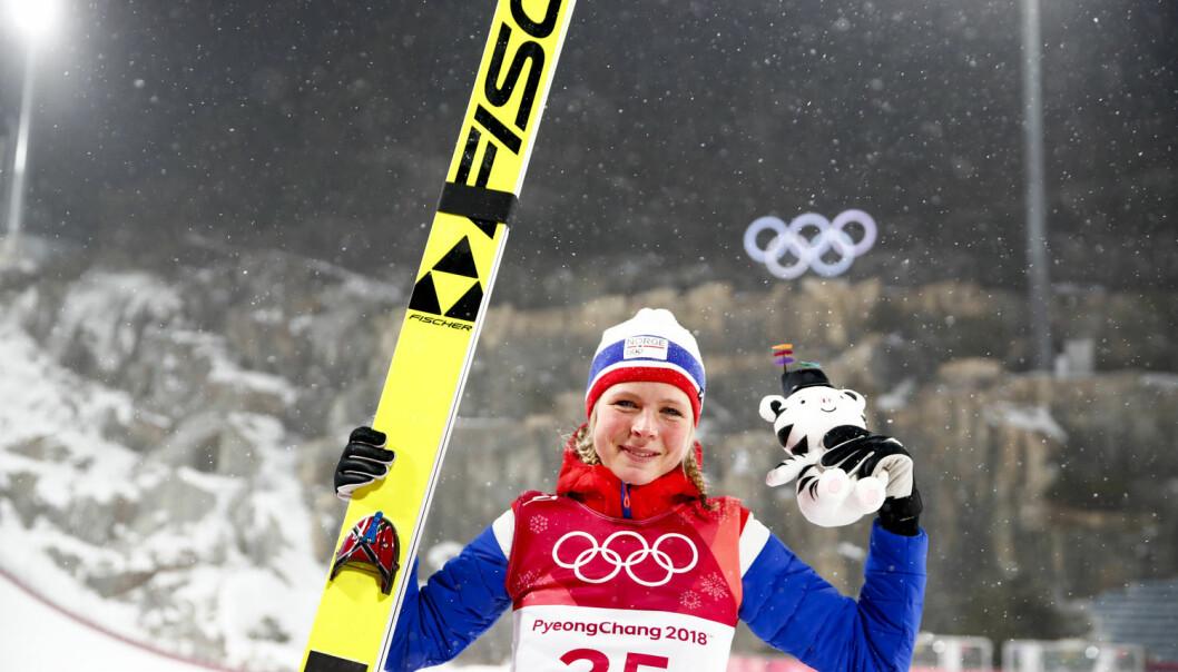 – Fortsatt henger myten om det svake kjønn igjen, og fører til at blant annet olympisk mester Maren Lundby ikke får hoppe i stor bakke. Selvfølgelig klarer hun det, men det er fremdeles sterke krefter som ikke vil slippe kvinner inn. Motstanden er der fremdeles, og slik har det vært i 50 år, sier Jorid Hovden, professor i idrettssosiologi ved NTNU. (Foto: Terje Pedersen / NTB scanpix)
