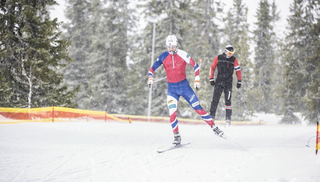 Forskere har festet flere sensorer på skiløpere for å få et nøyaktig bilde av teknikken deres. Det kan avsløre både hvor de vinner og taper tid i løypa.  (Foto: Stefano Zatta)