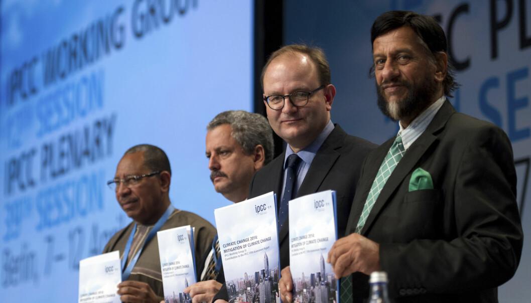 Det er flest menn som har sentrale posisjoner i FNs klimapanel. Disse fire presenterte oppsummeringen fra arbeidsgruppe 3 i Berlin, Tyskland i 2014. (Foto: Stefanie Loos/Reuters/NTB scanpix)