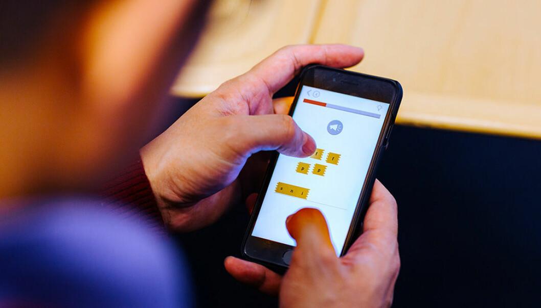 Folk med ulike morsmål har ulike utfordringer med å lære seg norsk. Den nye appen er visstnok det første språktreningsopplegget i verden som tar høyde for dette. (Foto: Julie Gloppe Solem, NTNU)