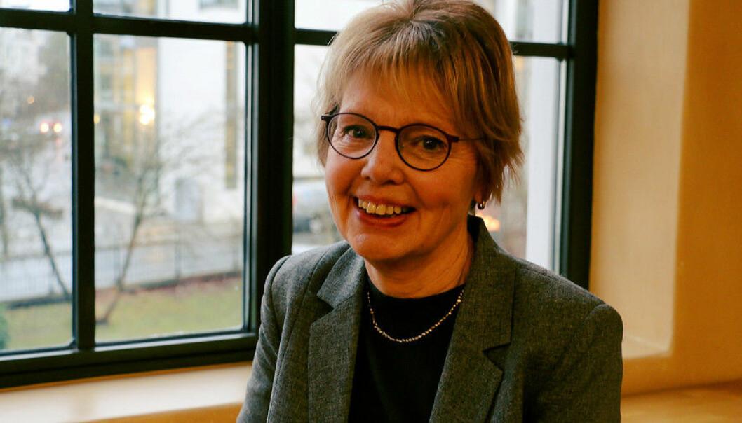 Margaretha Fahlgren er professor i litteraturvitenskap, et fag der det er vanskelig å jukse med resultater, og mener det var en fordel at hun kom utenfra når hun skulle lede gruppen som skulle lage en utredning om uredelighet. Hun mener studenter og unge forskere tidlig må læres opp i god forskningsskikk. (Foto: Hilde Kristin Strand)