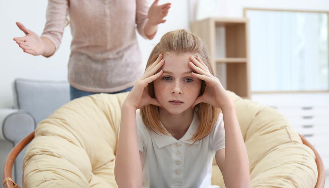 Tenåringer er kanskje i dårlig humør fordi de ikke liker at kroppen og hjernen er under konstant ombygning – de forstår heller ikke hvorfor de reagerer som de gjør.  (Foto: Africa Studio / Shutterstock / NTB scanpix)