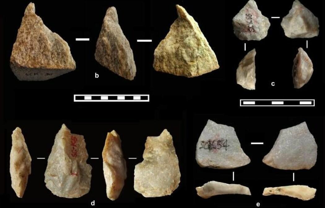 Dette er et utvalg av verktøyene og restene etter verktøy-produksjon som har blitt laget av tidlige mennesker. De er funnet i Nord-Kina. Du kan se et større versjon av bildet nederst i saken. (Bilde: Prof. Zhaoyu Zhu)