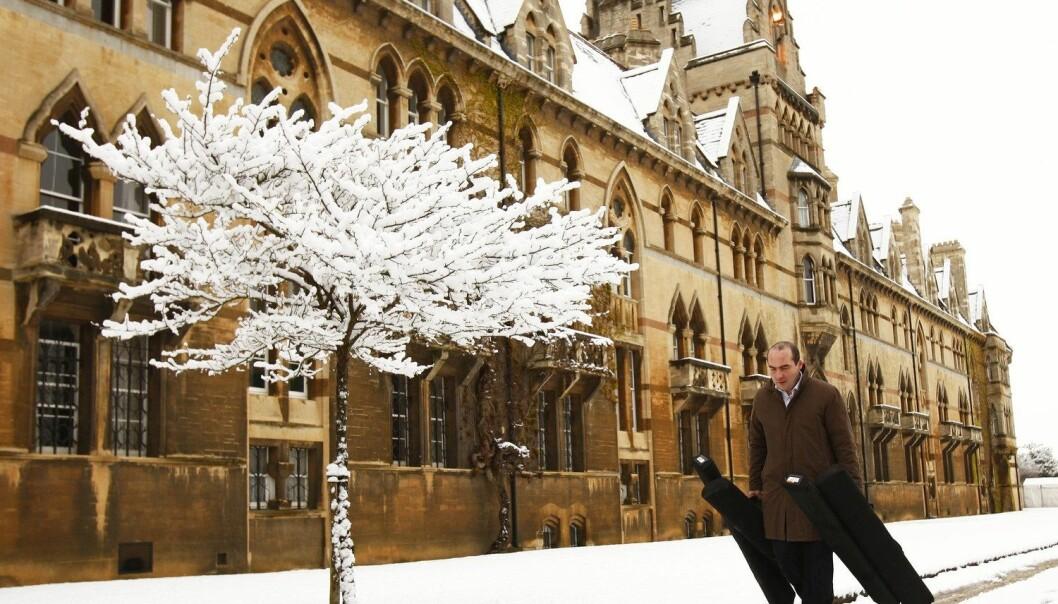 Oxford University er mellom dei 27 eliteuniversiteta som til saman produserer fleire ferdige forskingsresultat enn fleire av dei største industrilanda.  (Foto: Reuters, Eddie Keogh, NTB Scanpix)
