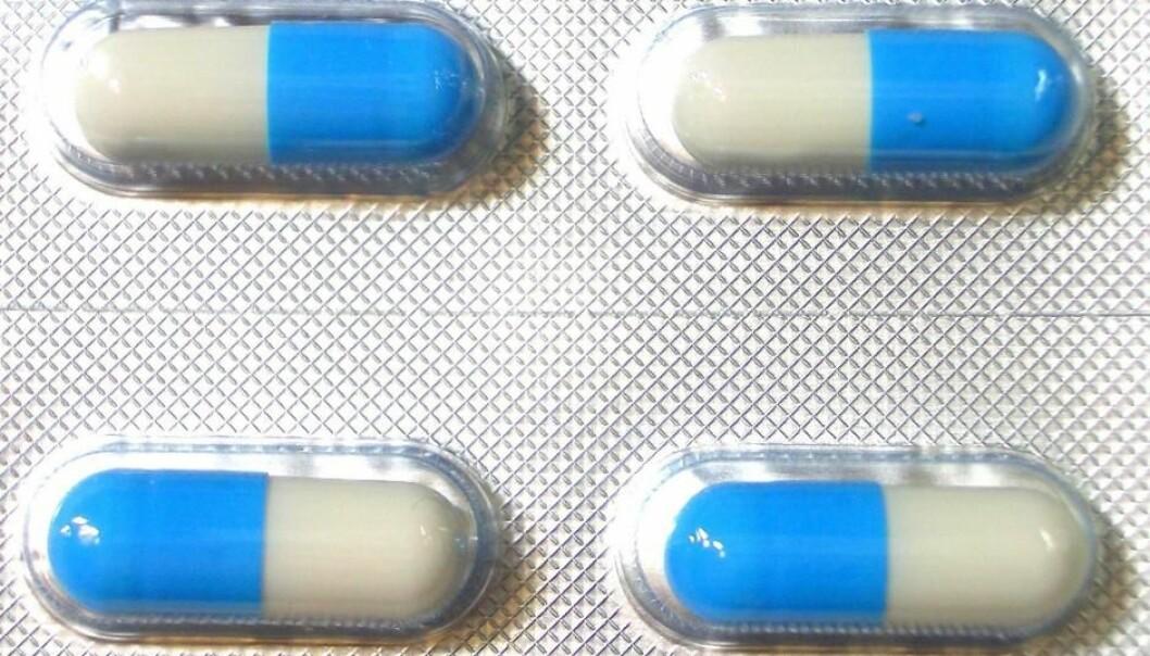 Clarithromycin blir solgt i ulike varianter. Pillene på bildet er av ukjent opprinnelse.  (Foto: Aney/Wikipedia Commons)