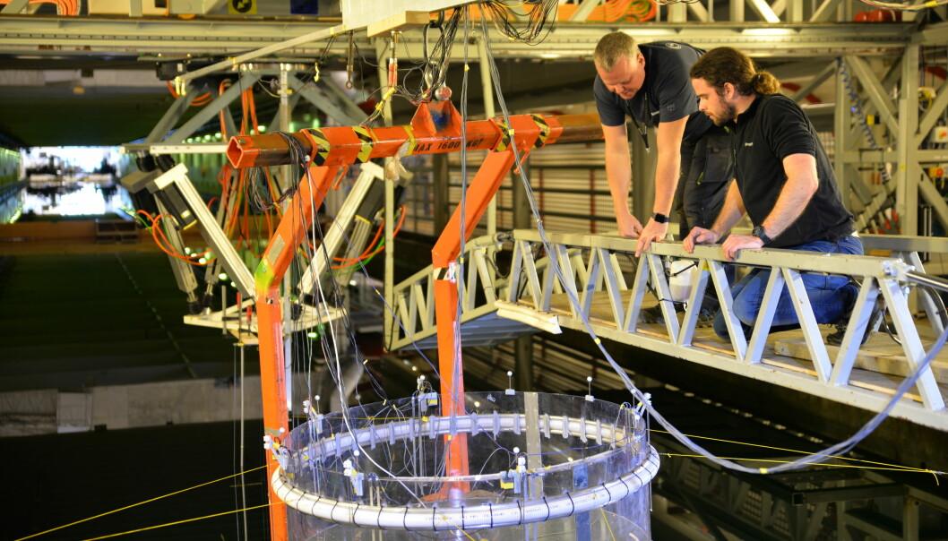 De lukkede merdene må de gjennom omfattende tester i Skipsmodelltanken ved Sintef Trondheim. (Foto: Sintef)