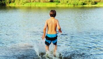 – Ungene må lære svømming utendørs