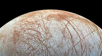 NASA: Det kan kan finnes spor etter liv rett under overflaten på ismånen Europa