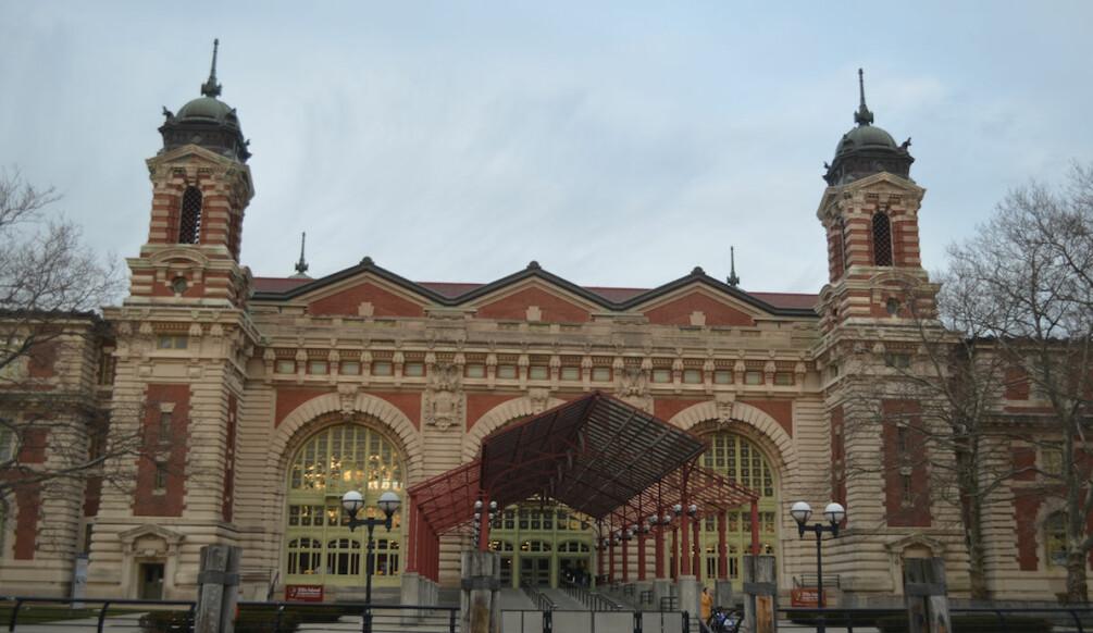 Ellis Island i dag. Et sted mange amerikanere har et forhold til. (Foto: US National Park Service)