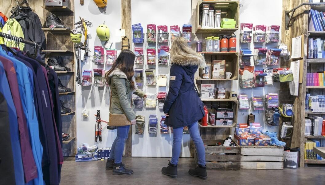 Turguider som krever provisjon av butikkers salg for å ta med seg turister inn der, får passet påskrevet av økonomiprofessor. (Foto: Gorm Kallestad, NTB scanpix)