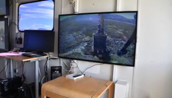 En del av arbeidet foregår med fjernstyrt maskin. Da sitter maskinføreren 1000 meter unna maskina og styrer via en skjerm. (Foto: Dagmar Hagen)