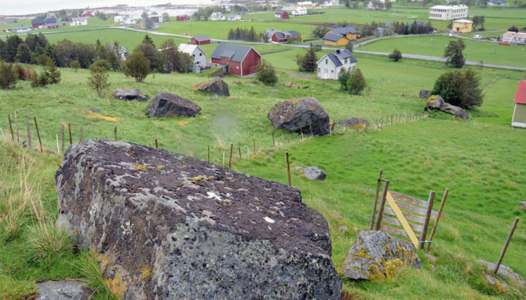 I Sennesvik i Vestvågøy kommune har det gått flere steinsprang i løpet av historien. (Foto: NGU)