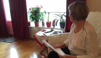 Karin fikk først vite at hun har en genfeil som gir høy risiko for arvelig kreft. Så kom kontrabeskjeden: «Mye tyder på at den ikke er så farlig som vi trodde». Hun savner nå en skikkelig beklagelse fra Oslo Universitetssykehus. (Foto: Anne Lise Stranden/forskning.no)