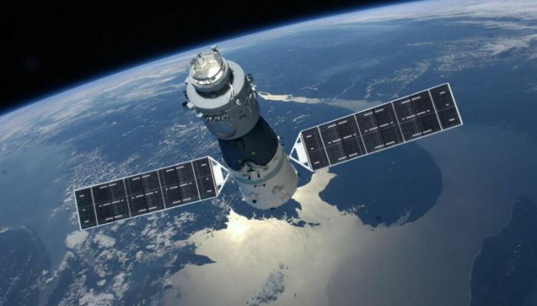 Tiangong 1 ble skutt opp i 2011 og har siden den gang gått over 35 000 ganger i bane rundt jorden. Romstasjonen er litt over 10 meter lang og 3,5 meter bred og kan operere med en mannskap på tre. (Illustrasjon: CMSE)