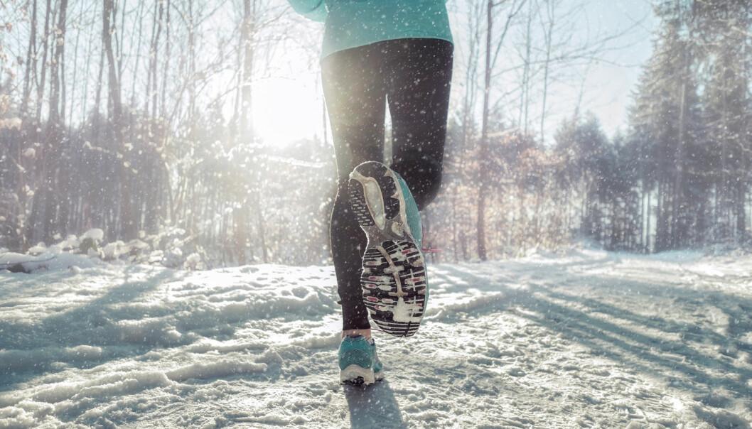 Hvordan holde nyttårsforsettene om å spise sunnere og trene mer? HiOA-forskerne Liv Elin Torheim, Kari Anette Bruusgaard og Terje Gjøvaag kommer med lavterskel tips for alle (Foto: Shutterstock / NTB Scanpix)