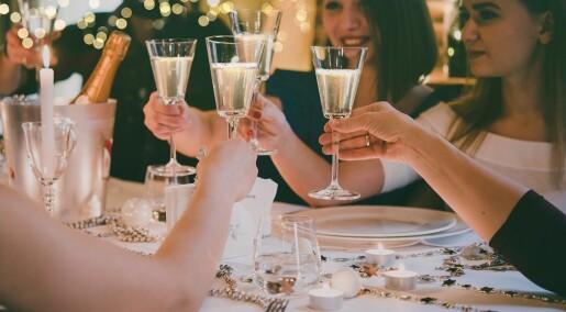 Ungdom som drikker med foreldrene har høyere risiko for fyll