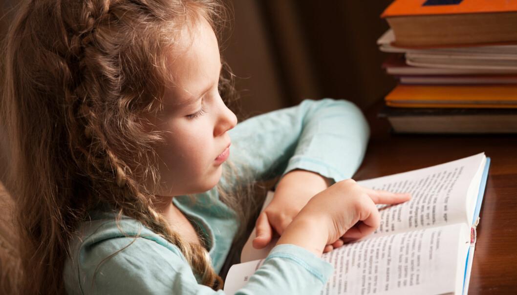 Førsteklassinger som var i faresonen for å utvikle lese- og skrivevansker hadde god effekt av et skreddersydd, intensivt undervisningsopplegg. (Illustrasjonsfoto: Shutterstock / NTB Scanpix)