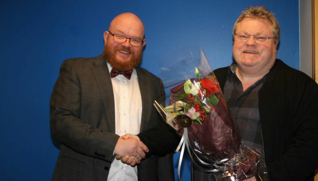 Til venstre: Dekan Ketil Eiane og professor Pål A. Olsvik. (Foto: Per Jarl Elle)