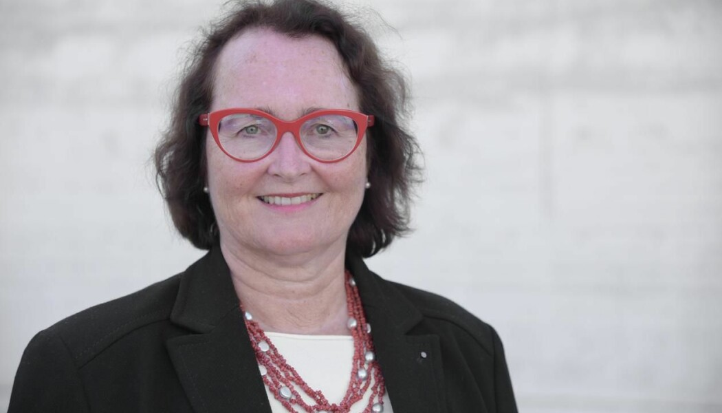 Professor Eva Gerdts er opptatt av forskjellen på hvordan hjerteinfarkt oppleves blant menn og kvinner. – Dessverre har særlig kvinner en uheldig tendens til å tro at de ikke har hjerteinfarkt, sier hun.