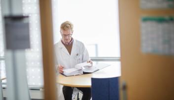 Kjetil Retterstøl var lokal ansvarlig for en studie på diabetespasienter ved Lipidklinikken på Oslo universitetssykehus. Retterstøl kjenner selv resultatene av studien, men han visste ikke at legemiddelfirmaet som sto bak den internasjonale studien ikke publiserte dem. (Foto: Erik Norrud)