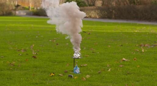 Julekalender: Luke 24: Hva skal til for å lage masse røyk?