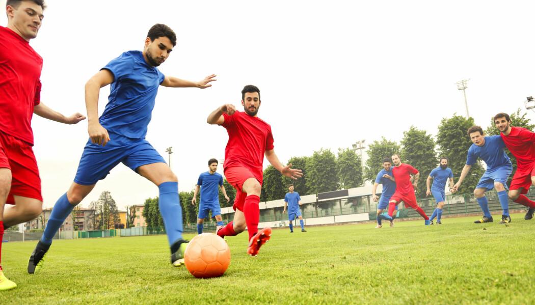 Én av tre fotballspillere hadde muskel- eller skjelettplager, viser en ny studie. Men undersøkelser kan ikke avdekke hvilke spillere som er mest utsatt for skader. (Illustrasjonsfoto: Shutterstock / NTB Scanpix)