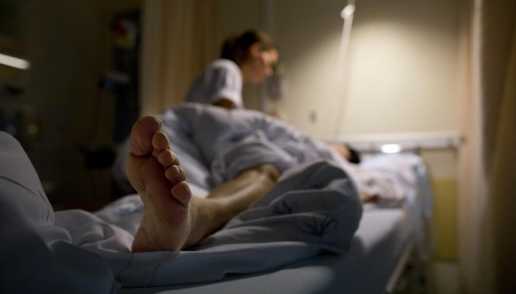 En tredel av sykefraværet blant sykepleiere skyldes høy belastning på jobben, ifølge en ny rapport. (Foto: Tore Meek, NTB scanpix)