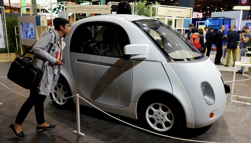 En førerløs bil laget av Google vises frem på en utstilling i Paris i fjor. 8Foto: Reuters, Benoit Tessier)