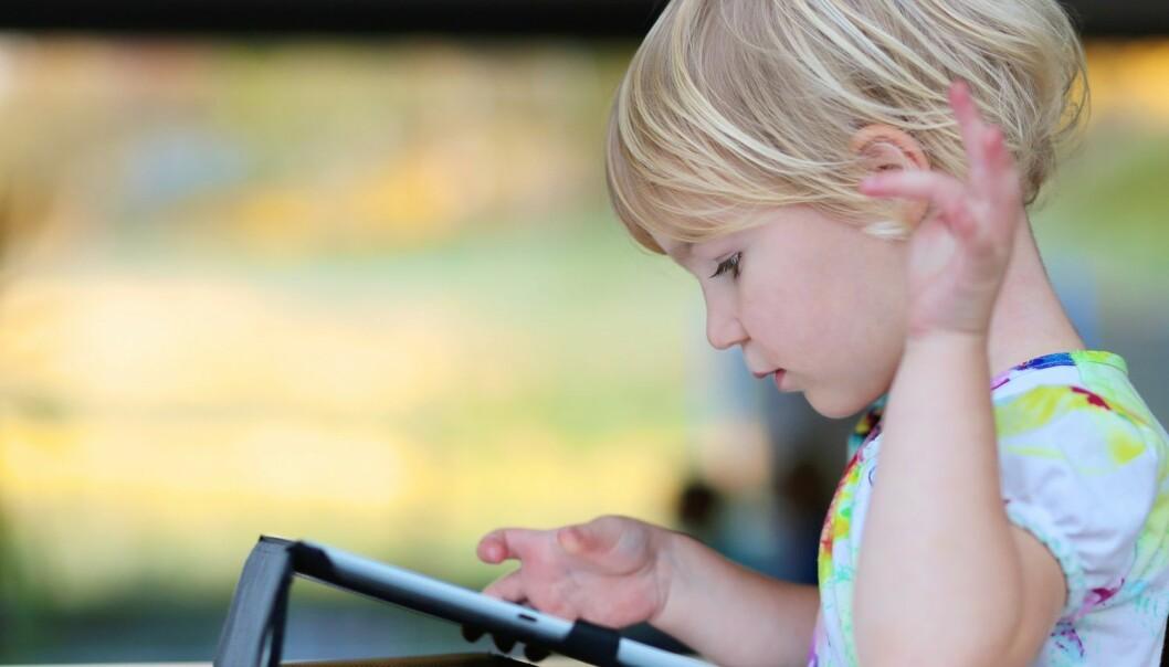 Ni tegn på at barnet ditt er avhengig av skjermen