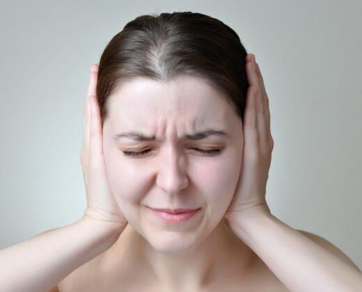Start av behandling med antipsykotika - vente og se eller bytte medisin tidlig?