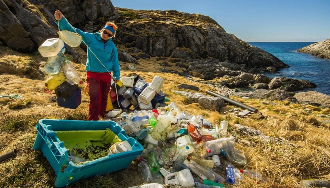 Plastsøppel, blant annet fra fiskeriene, har blitt et stort miljøproblem. Men hvilke effekter har plastdsøppel i ulike former på mennesker og økosystemer. Det skal Framsenteret forske på. (Foto: Bo Eide)