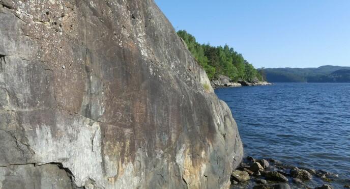 Steile fjellvegger står igjen som en del av de gamle forkastningene. (Foto: Ane K. Engvik)