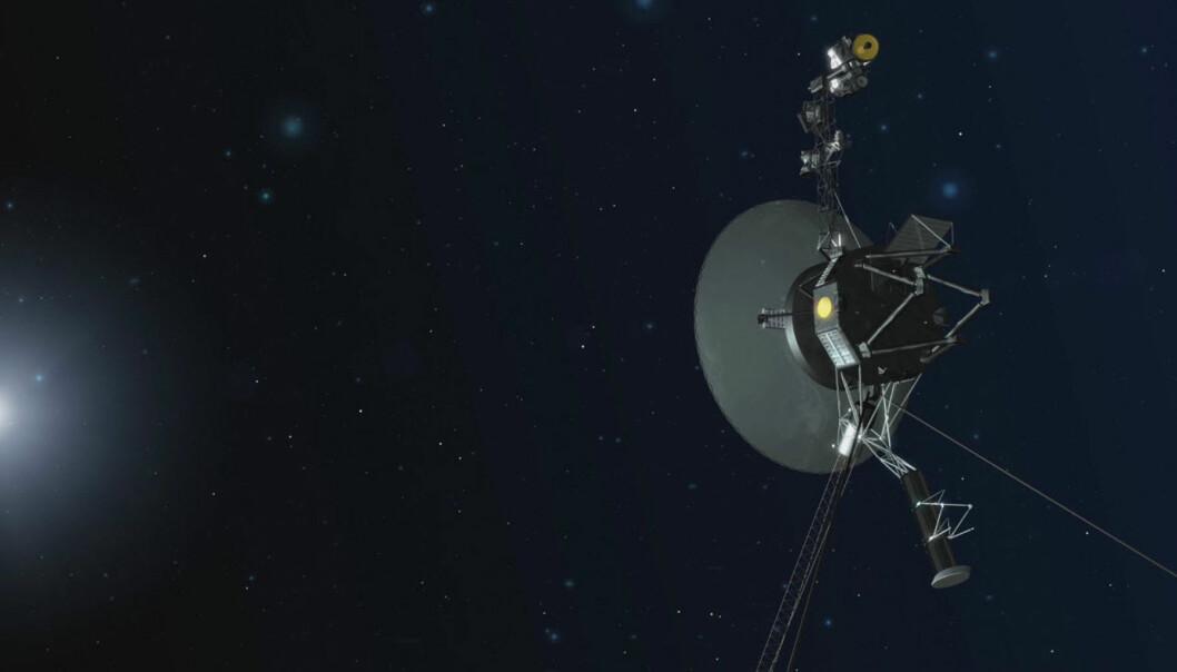 Voyager 1, slik den kanskje ser ut, der den suser utover i rommet mellom stjernene. Ingen andre menneskelagde ting har noen gang vært så langt hjemmefra.  (Illustrasjon: NASA/JPL-Caltech)
