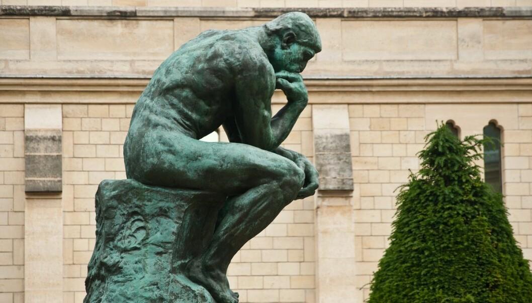 Vi mennesker er en samling av utallige milliarder celler, skriver Tunstad. Her er skulpturen Tenkeren av Auguste Rodin. (Foto: NeydtStock, Shutterstock, NTB scanpix)