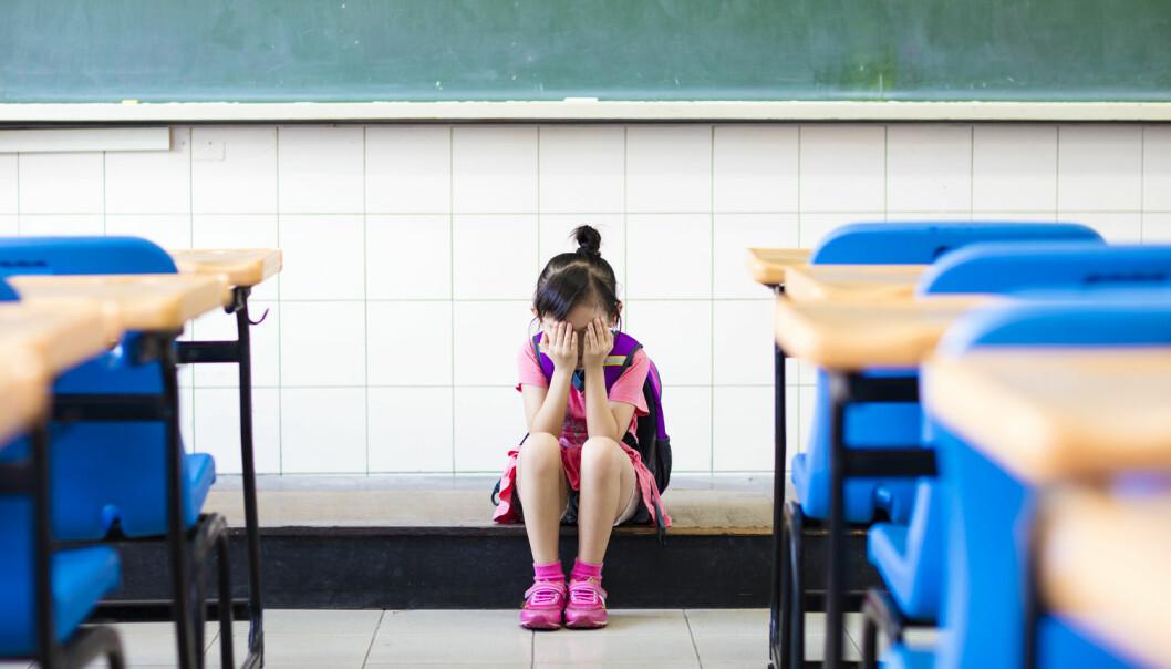 Elever som opplever vanskeligheter på hjemmebane kan være interessante offer for overgripere. Ved å tilby disse barna å være inne i friminuttet eller få ekstra leksehjelp etter skoletid, kan overgriperen få alenetid med dem i dekke av å hjelpe, forteller forsker. (Illustrasjonsfoto: Tom Wang/Shutterstock/NTB scanpix)